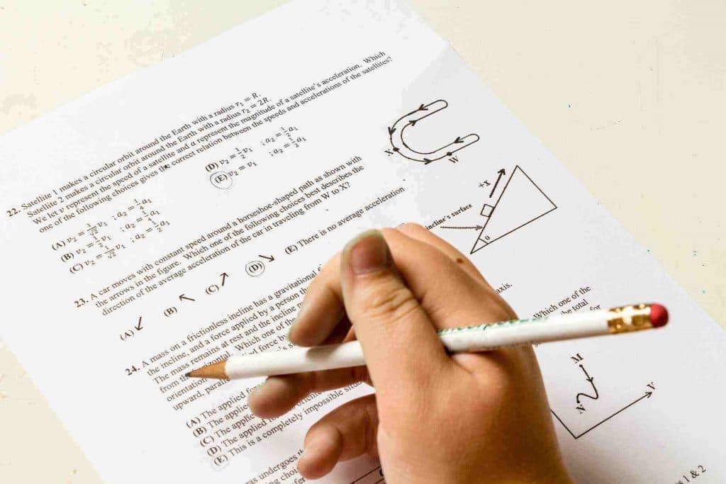 انواع الاسئلة الامتحانية