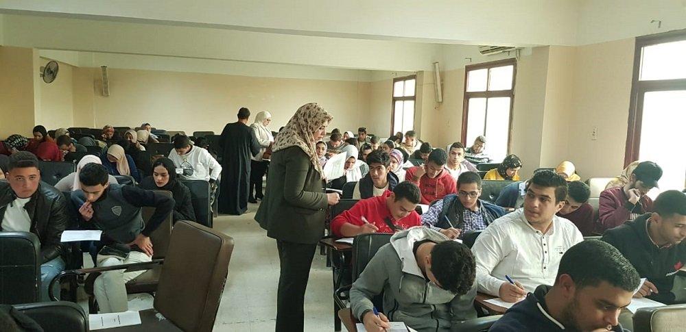 اختبار تجريبي باستخدام البابل شيت في كلية الحقوق جامعة طنطا