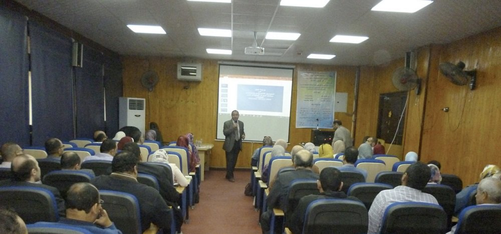 ورشة عمل عن برنامج التصحيح الإلكتروني ريمارك أوفيس في كلية التربية بجامعة بورسعيد